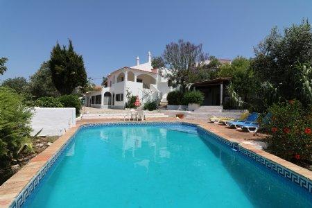 4 Bedroom Villa Sao Bras de Alportel, Central Algarve Ref: JV10153