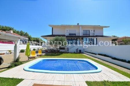 3 Bedroom Villa Vila Nova de Gaia, Porto Ref: AVP6