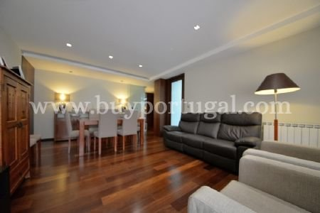 3 Bedroom Apartment Porto, Porto Ref: AAP7