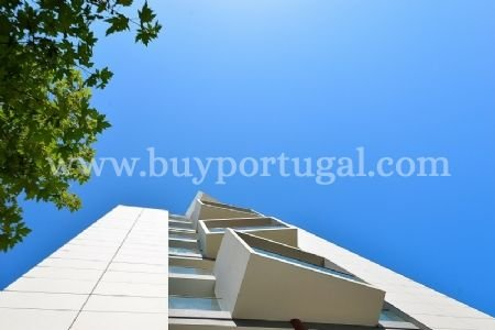 4 Bedroom Apartment Vila Nova de Gaia, Porto Ref: AAP3