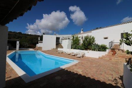 7 Bedroom Villa Sao Bras de Alportel, Central Algarve Ref: JV10181