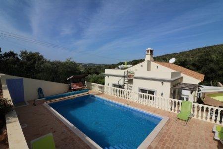 4 Bedroom Villa Sao Bras de Alportel, Central Algarve Ref: JV10174