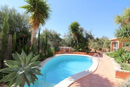 4 Bedroom Villa Sao Bras de Alportel, Central Algarve Ref: JV101879