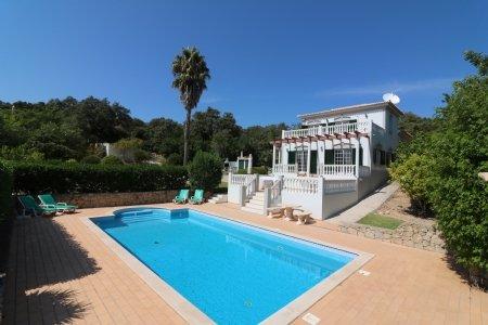 3 Bedroom Villa Loule, Central Algarve Ref: JV10191