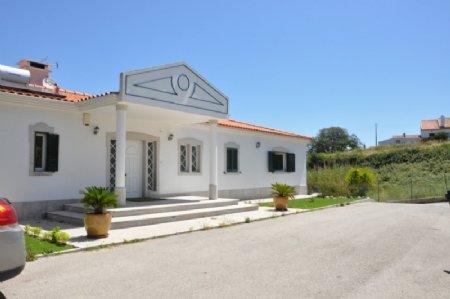 4 Bedroom Villa Sesimbra, Blue Coast Ref: AV1773