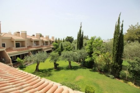 3 Bedroom Townhouse Loule, Central Algarve Ref: PV3289