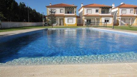 4 Bedroom Villa Foz do Arelho, Silver Coast Ref: AV1783