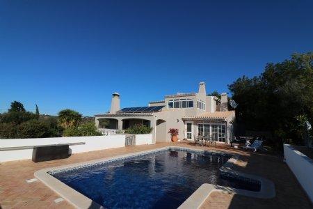 4 Bedroom Villa Sao Bras de Alportel, Central Algarve Ref: JV10217