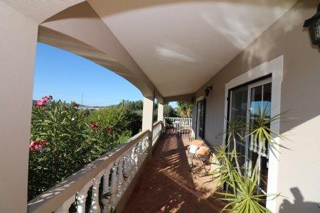 4 Bedroom Villa Sao Bras de Alportel, Central Algarve Ref: JV102179