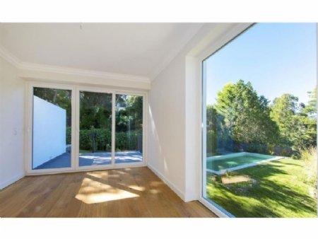 7 Bedroom Villa Estoril, Lisbon Ref: AVL19