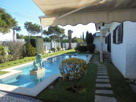 5 Bedroom Villa Cascais, Lisbon Ref: AVM25