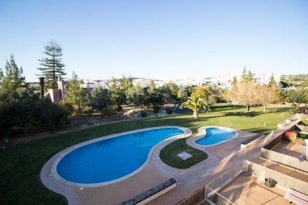 3 Bedroom Apartment Loule, Central Algarve Ref: PA3328
