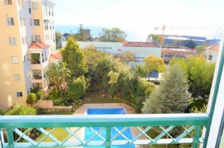 3 Bedroom Apartment Estoril, Lisbon Ref: AAM29