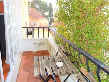 4 Bedroom Apartment Estoril, Lisbon Ref: AAM31