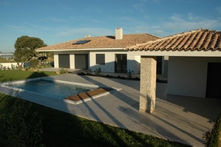 3 Bedroom Villa Bombarral, Silver Coast Ref: AV1832