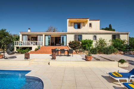 3 Bedroom Villa Olhao, Eastern Algarve Ref: JV10241