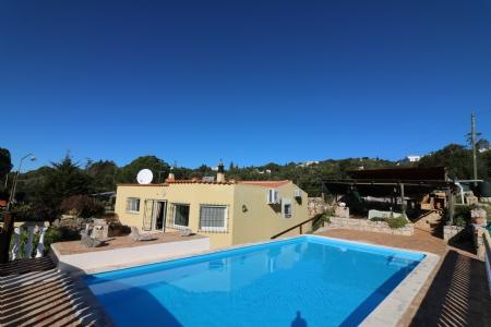 2 Bedroom Bungalow Santa Barbara de Nexe, Central Algarve Ref: JV10246
