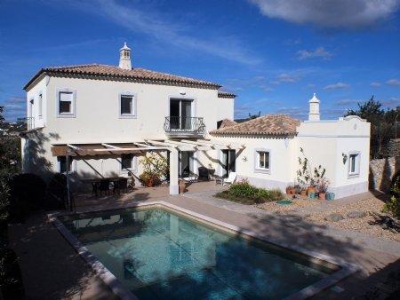 4 Bedroom Villa Sao Bras de Alportel, Central Algarve Ref: LV5356