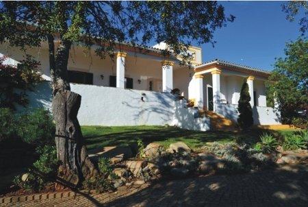 4 Bedroom Villa Sao Bras de Alportel, Central Algarve Ref: LV5209