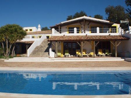 9 Bedroom House Paderne, Central Algarve Ref: LV5345