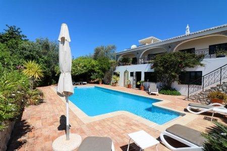 4 Bedroom Villa Sao Bras de Alportel, Central Algarve Ref: JV10202