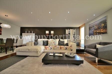 3 Bedroom Apartment Vila Nova de Gaia, Porto Ref: AAP29