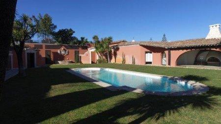 5 Bedroom Villa Cascais, Lisbon Ref: AV1872
