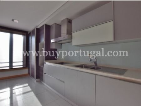 2 Bedroom Apartment Porto, Porto Ref: AAP24