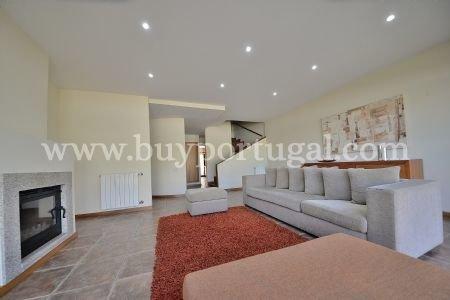 3 Bedroom Villa Porto, Porto Ref: AVP33