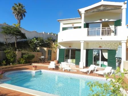 2 Bedroom Villa Praia da Luz, Western Algarve Ref: GV526