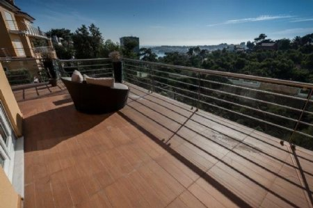 4 Bedroom Apartment Cascais, Lisbon Ref: AA330