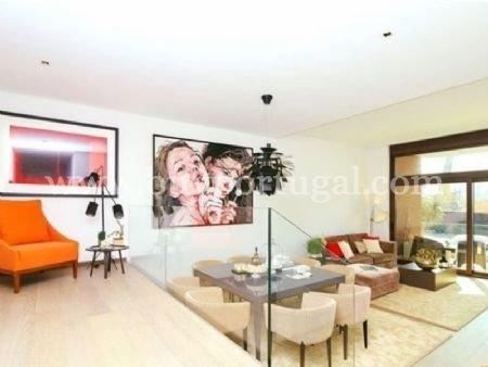 4 Bedroom Apartment Vila Nova de Gaia, Porto Ref: AAP14