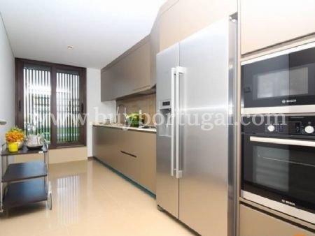 5 Bedroom Apartment Vila Nova de Gaia, Porto Ref: AAP15