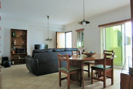 3 Bedroom Apartment Sesimbra, Blue Coast Ref: AA336