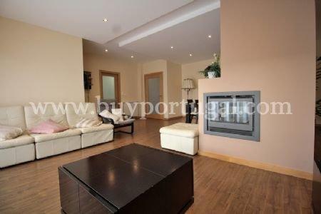3 Bedroom Apartment Vila Nova de Gaia, Porto Ref: AAP18