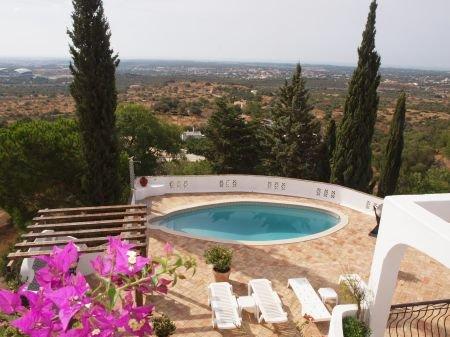 3 Bedroom Villa Santa Barbara de Nexe, Central Algarve Ref: LV3838