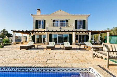 4 Bedroom Villa Moncarapacho, Eastern Algarve Ref: BV1059