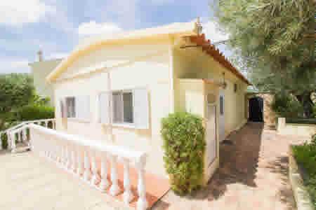 4 bedroom Villa,Santa Barbara de Nexe, Central Algarve Portugal