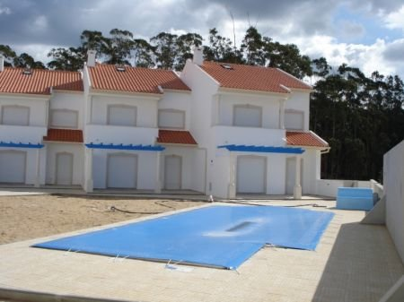 3 Bedroom Townhouse Nazare, Silver Coast Ref: AV1133